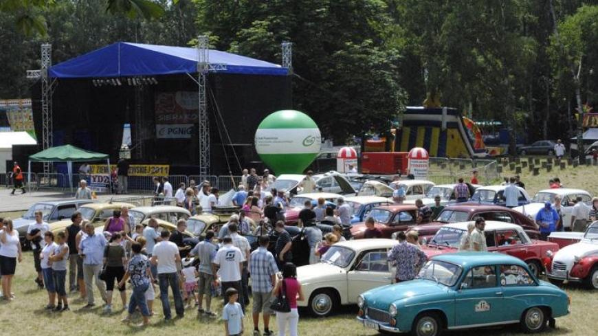 V Spotkanie Pojazdów Starych i Zabytkowych w Sierakowie 8-10.07.2011